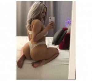 Nidia transexual happy ending massage Hermitage